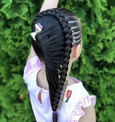 Girl Hairstyles Of Terraza Butterflies and League The Best Tutorial of Braids Hairstyles for Little Girls - littlewishlive Chic Hairstyles, Braided Hairstyles Tutorials, Medium Hair Styles, Short Hair Styles, Middle Hair, Braid Out, Festival Hair, Beautiful Braids, Hair Images