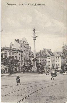 Początek XX wieku. Widok na plac Zamkowy i nieistniejące obecnie kamienice…