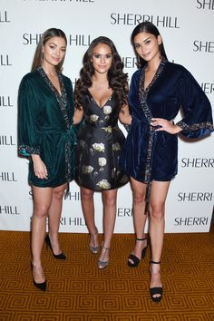Madison Pettis Photos - (L-R) Miss Universe 2017 Demi-Leigh Nel-Peters, Madison Pettis and Pia Wurtzbach attend the NYFW Sherri Hill Runway Show on February 2018 in New York City. - Sherri Hill - Backstage - February 2018 - New York Fashion Week Tim Tebow Girlfriend, Demi Leigh Nel Peters, February 9, Fundraising Events, Sherri Hill, Charlize Theron, Photo L, Beauty Queens, Planet Earth
