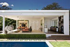 URBAN COUNTRY HOUSE / Consuelo Jorge Arquitetos