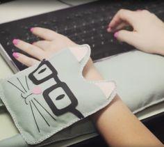 Saiba como fazer um descanso de braço para você enquanto estiver no computador
