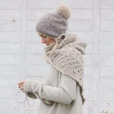 Sunday knitting. Finished mellow sun shawl. Love it. I think you might, too. #isabellkraemer #newpattern #newknittingpattern