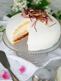 Prinsesstårta med rabarber   Brinken bakar Cocoa Cake, Pie Cake, Something Sweet, Let Them Eat Cake, Vanilla Cake, Baked Goods, Sweet Tooth, Bakery, Deserts