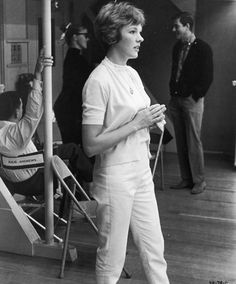 1964 Julie Andrews in Mary Poppins rehearsal