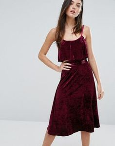 Search for red velvet dress at ASOS. Shop from over styles, including red velvet dress. Discover the latest women's and men's fashion online Tall Dresses, Dressy Dresses, Dress Outfits, Party Dresses, Red Velvet Dress, Velvet Cami, Dress Red, Frack, Crop Dress
