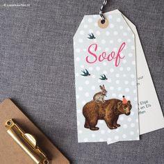 Labelkaartje Soof met beer en haas | Lievekaarten.nl | # birthannouncements geboortekaartjes zwanger dots