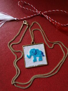 Pandantiv cu elefant cusut pe etamina Arrow Necklace, Pendant Necklace, Handmade, Jewelry, Hand Made, Jewlery, Jewerly, Schmuck, Jewels