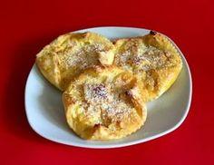 Für die schnellen Topfentascherl Topfen, Ei, Vanillepudding-Pulver, Zucker und den Zitronensaft mit dem Schneebesen vermengen. Den Blätterteig aus