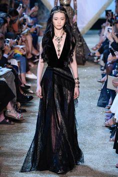 Couture Fashion, Runway Fashion, High Fashion, Fashion Beauty, Simple Dresses, Pretty Dresses, Beautiful Dresses, Fairytale Fashion, Elie Saab Couture