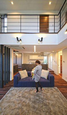 吹き抜けリビングと中庭が開放的な、青空が映えるキューブ形の家 施工実績 愛知・名古屋の注文住宅はクラシスホーム