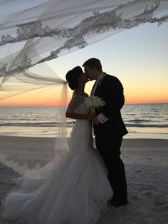 St Pete beach couple #doncesar #stpete #wedding #couple #sunsetkiss #randallproductions