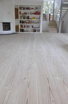 Beautiful Houses Interior, Beautiful Interiors, Apartment Interior Design, Interior Decorating, Light Wood Dresser, Versace Home, Hardwood Floors, Flooring, Wide Plank