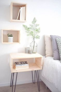 Steps To Create The Perfect DIY Nightstand Ideas For Your Bedroom furniture small spaces Unique Bedside Tables, Wooden Bedside Table, Bedside Table Ideas Diy, Bed Side Table Ideas, Diy Table, Diy Furniture Table, Bedroom Furniture, Home Furniture, Simple Furniture