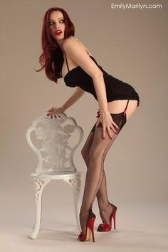 #nylons #stockings #collants #pantyhose #legs #heels #HighHeels