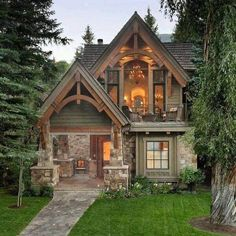 House design exterior cottage 28 Ideas for 2019 Small Cottage Homes, Cozy Cottage, Cottage Ideas, Rustic Cottage, Small Rustic House, Tudor Cottage, Cozy Cabin, Stone Cottage Homes, English Cottage Exterior
