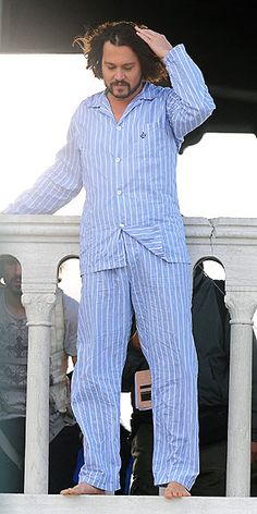 Depp Even in striped pajamas, the actor manages to steal the scene while filming The Tourist on a balcony in Venice, Italy.Even in striped pajamas, the actor manages to steal the scene while filming The Tourist on a balcony in Venice, Italy. Johnny Depp Fans, Here's Johnny, Johnny Depp Movies, Funny Movies, Hd Movies, Horror Movies, Hollywood Action Movies, Johny Depp, Don Juan