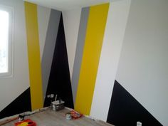 Right here, we've gathered a collection of ideas and also pointers on how you can spruce up your walls with paint, wallpaper, as well as more. Get decorative wall painting ideas and creative design ideas to colour your indoor house walls. Geometric Wall Paint, Room Wall Painting, Bedroom Wall Designs, Metal Clock, Wall Patterns, Paint Patterns, Inspiration Wall, Wall Treatments, Paint Designs