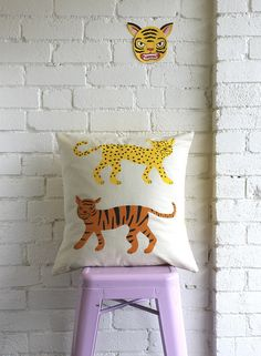 Tiger Cushion / Linen/ Alice Oehr