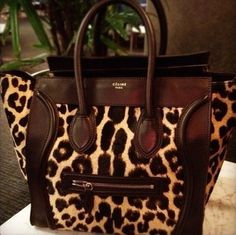 Celine leopard tote, loving it! Leopard Tote, Motif Leopard, Cheetah Print, Leopard Prints, Animal Prints, Bag Sewing, Celine Bag, Celine Luggage, Animal Print Fashion