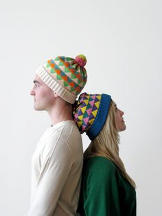 Fun hats...I'm sure someone on Rav has already come up with a pattern!