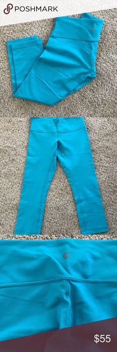 Like New! Lululemon Athletica Wunder Under Crop Like New‼️Lululemon Athletica Wunder Under III Crop Leggings, Size 4 in Peacock Blue. Like New Condition, only used a couple of times, no stains, no snags or any other damage!! lululemon athletica Pants Leggings