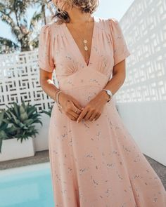 Auguste The Label summer dresses & timeless fashion Summer Dress Outfits, Summer Dresses For Women, Midi Summer Dresses, Vintage Summer Dresses, Floral Dresses, Cute Casual Dresses, Classic Dresses, Timeless Fashion, Feminine Fashion