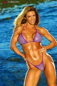 Heather Green - Google Search Hard Bodies, Heather Green, Muscle Girls, Body Inspiration, Instagram Models, Female Bodies, Bikini Set, Fit Women, String Bikinis