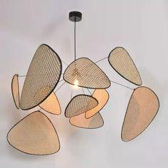 Wykonana z płótna i metalu lampa wisząca Screen Cannage Market Set Rattan Pendant Light, Pendant Lamp, Pendant Lighting, Luminaire Design, Chandelier Ceiling Lights, Ceiling Lamp, Metal Flag, Wooden Lampshade, Antigua