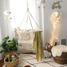 Lullaby Hanging Crib DESCRIPTION Laying in this beautiful hanging bassinet / crib calms your newborn Baby Crib Diy, Baby Nursery Diy, Baby Bedroom, Baby Boy Rooms, Baby Cribs, Nursery Room, Kids Bedroom, Nursery Ideas, Room Ideas