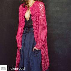 pink crochet jacket by Helen Rödel. Love comes in colors 🍒 Crochet Jumper, Crochet Coat, Crochet Jacket, Crochet Cardigan, Crochet Clothes, Knit Cardigan Outfit, Cardigan Pattern, Knit Dress, Summer Knitting
