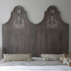 The Torch Garland Classif Motif is part of our perfectly sized Royal Design Studio Furniture Stencils Collection. Beautiful on this headboard! Painted Wood Headboard, Painted Furniture, Furniture Design, Furniture Stencil, Plywood Headboard, Stencil Wood, Damask Stencil, Studio Furniture, Monogram Wall Decals