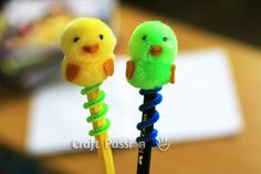 Easy and quick to make pom pom chick for Easter. Make them into Mobile Phone charm, pencil topper, keychain or other related accessories. Easter Crafts For Kids, Crafts For Teens, Diy And Crafts Sewing, Diy Crafts, Pen Toppers, Biscuit, Pom Pom Crafts, Craft Videos, Craft Tutorials