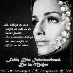 La belleza de una mujer no está en un lunar facial. la verdadera belleza de una mujer se refleja en su alma
