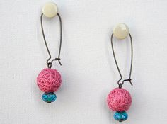 Peach pink cotton yarn beads earrings with blue green by ylleanna, €14.00