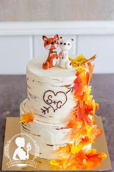 Autumn Wedding cake - Fox, birch cake, Waver Paper leaves, Heart Cupcakes, Cake Cookies, Cupcake Cakes, Fall Wedding Cakes, Autumn Wedding, Wedding Ideas, Baby Shower Fall, Fall Baby, Mademoiselle Cupcake