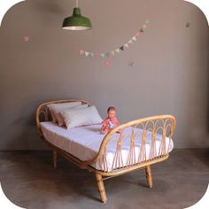 Lit rotin daybed '50