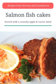 Scandinavian Recipe: Norwegian salmon fishcakes served with a crunchy apple and carrot salad Fish Cakes Recipe, Fish Recipes, Gourmet Recipes, Healthy Recipes, Healthy Food, Easy Christmas Cake Recipe, Salmon Fishcakes, Norwegian Food