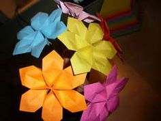 Super easy paper flowers. A pretty touch for Spring and Easter decor.