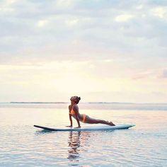 I N S P I R E Z les cours de sup yoga se deroulent tous les Mardi et vendredi au @luxsaintgilles a 9h. Les places sont limitées donc n'hesitez pas a contacter @lagon_reunion ou moi meme pour les reservations. Namaste. #namaste #yoga #yoga974 #yogagirl #supyoga #sunset #om #islandlife #lareunion #iledelareunion #reunionisland #cobra #love #iyoga #instagood #instagram #instalove #instayoga #ocean #lagoon #mermaid #beachbum photo @amography88 by babychips