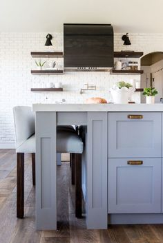 Today we are revealing a huge Kitchen and Living Room transformation we've been working on for the past few months. This is what the home looked like when we came out. Our clients wanted a rustic, fresh and modern feel. We knew we wanted exposed white brick, metal, brass and wood elements. We came up …