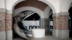 The Museum of Ideas & Inventions of Barcelona is spread over two floors, connected by this amazing slide..