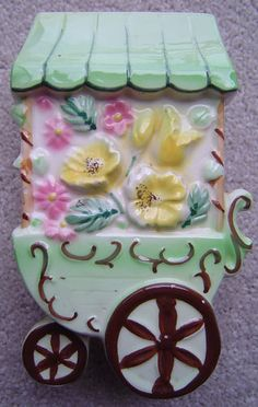 vintage flower cart wall wagon pocket vase Made Japan 1950s Wall Vases, Flower Cart, Color Shapes, Retro Chic, Wall Pockets, Simple Things, Wall Plaques, Vintage Flowers, Vintage Walls