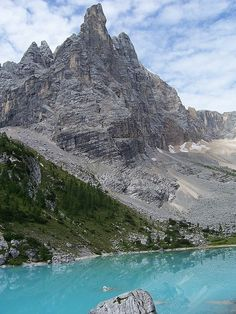 Finger of God and Lago di Sorapiss, Dolomites, Italy ~ UNESCO World Heritage Site | Zavijavah via Wikipedia