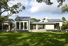 Transitional Style House with Modern Clean Lines - Dallas, Texas