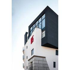 Studioathesis.it/c84  #C84 #legnago #geometric #new #verona #whatitalyis #design #art #art #architecture #concrete #building #black #white #cube #instacool #instamood