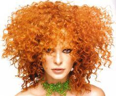 Curly is good: il ritorno trionfale dei capelli ricci ‹ Stile di ModaStile di Moda