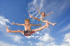 Trampoline Games - Entertain you children to stay on trampoline with list of fun trampoline games! Sprinkler fun, Crossfire etc - you name it we have it!