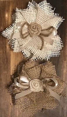 Details about Burlap Flower Rustic Barn Wedding Bridal Knife Baby Shower Cake Ivory & Natural Jute Flowers, Diy Flowers, Fabric Flowers, Paper Flowers, Burlap Flower Bouquets, Flower Wreaths, Wine Bottle Crafts, Mason Jar Crafts, Mason Jar Diy
