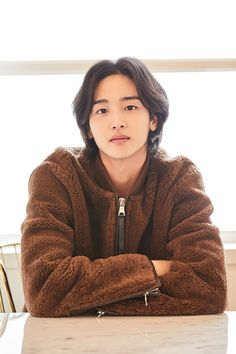 In love with movies, books, series and kdramas🖤. Korean Men, Asian Men, Asian Guys, Asian Actors, Korean Actors, Korean Celebrities, Celebs, Dramas, Boy Pictures
