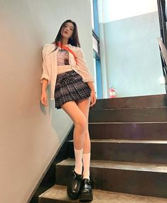 Fotoğraf - Google Fotoğraflar South Korean Girls, Korean Girl Groups, Joy Instagram, Red Velvet Joy, Velvet Fashion, Seulgi, Skater Skirt, Daily Fashion, Korean Fashion